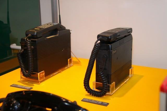 最初のころの携帯(自動車)電話