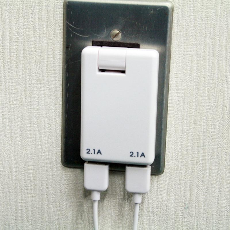 2.1A×2ポートでスマホもタブレットも2台同時充電USB-ACアダプター【イケショップのレア物】