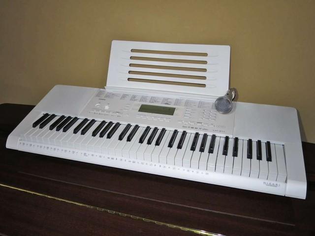 CASIO 光ナビゲーションキーボード「LK-211」