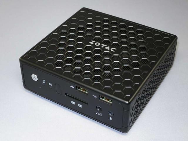 「ZBOX CI520 nano」(Intel Core i3-4020Y)