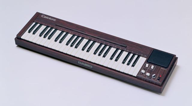 電子楽器「カシオトーン 201」
