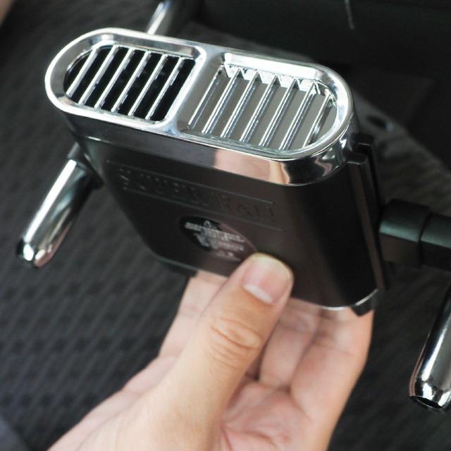 風量調整できるヘッドレストファン02
