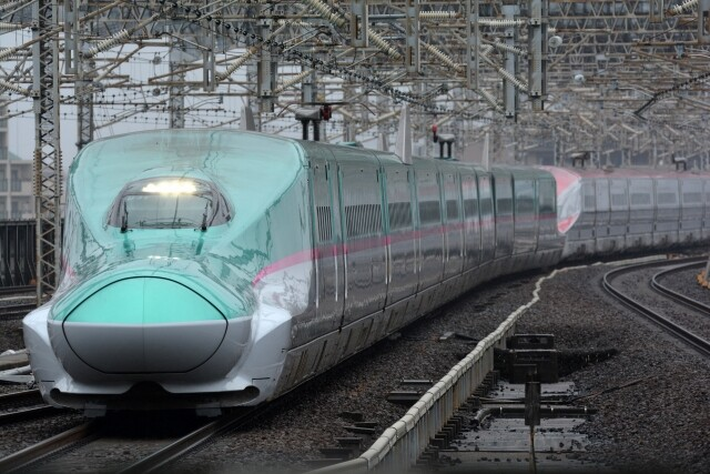 Photo of Mobile phone service available in tunnels for all sections of Tohoku Shinkansen and Joetsu Shinkansen