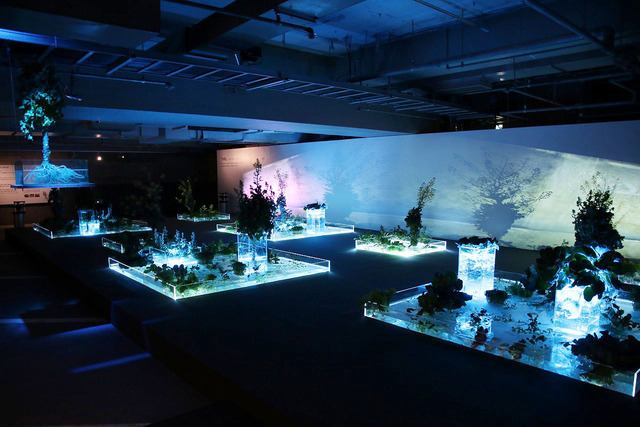 水畑と音に反応する水のインスタレーションを見られる地下3階