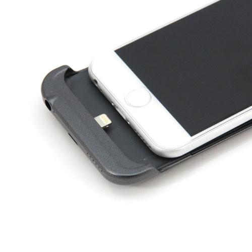 ケース側のiPhone 6装着部にLightningコネクター端子を搭載