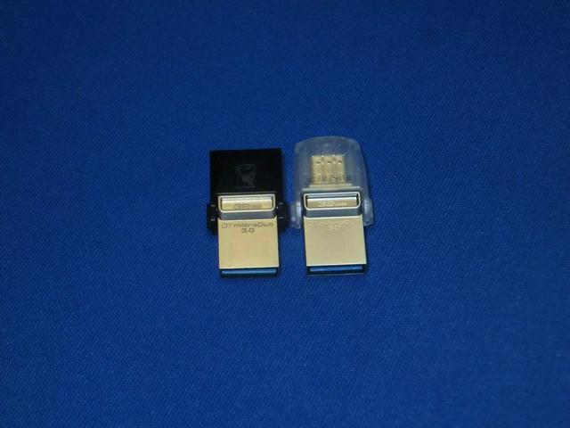 左がDataTraveler microDuo 3.0、右がDataTraveler microDuo 3C
