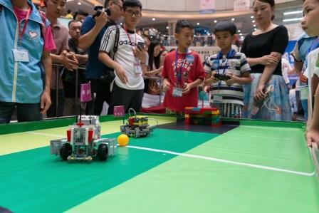 みんなで遊べるサッカーロボットを作ろう