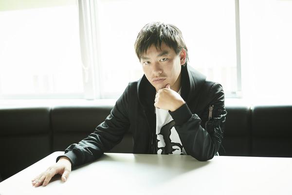 箕輪厚介main_photo