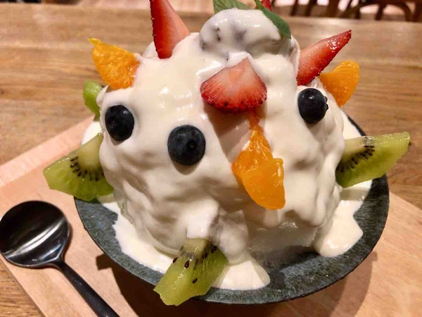 新感覚スイーツショップ!新潟駅前『オセオ弁天』にオープンした『&CAFE(アンドカフェ)』で『〆スイーツ』なる『白くまかき氷』と『いちご姫クレープ』食べてみた。