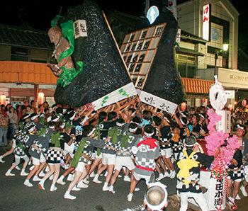 『祭り2018』亀田のアツい2日間!『大岩万燈(いわまんどう)』に『亀田甚句流し』8月25〜26日『かめだ祭り』開催。