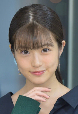 ソフトB、開幕戦始球式に「福岡で一番かわいい女の子」今田美桜が登板