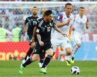 アルゼンチン、アイスランド一進一退…前半1-1で折り返す
