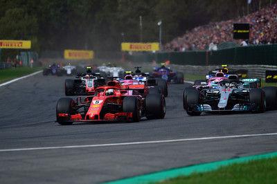 """F1 Topic:約20馬力相当のパワーでメルセデスを引き離したフェラーリの""""合法トリック"""""""