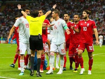 """スペイン代表DF、イラン代表の""""時間稼ぎ""""戦術をバッサリ「あれがサッカーとは思わない」"""