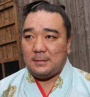日馬、秋場所後に断髪式両国国技館で現在は伊勢ケ浜部屋でコーチ