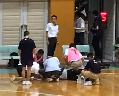 <高校バスケット>判定に不満延岡学園選手が突然審判殴る