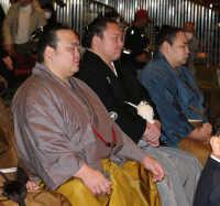 騒動あっても初場所チケット完売、懸賞も最多…相撲人気、恐るべし
