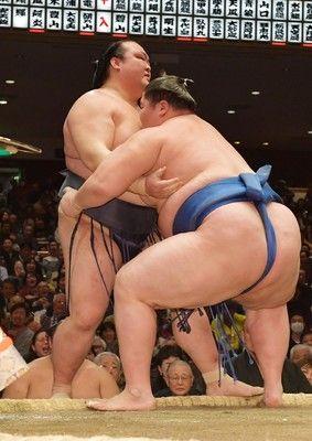 <大相撲初場所>「あー」と一言、うなだれる稀勢2敗目