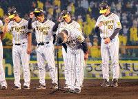 【阪神】金本監督の電撃辞任球団のフォロー無く追い込まれた…記者の目