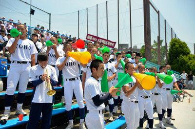 大阪桐蔭を東邦の部員らが応援愛知の招待試合