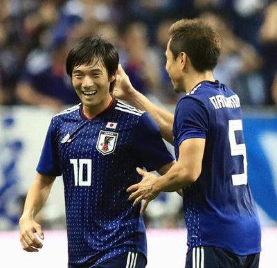 長友「中島はドリブルお化け」相手GK日本にビビる