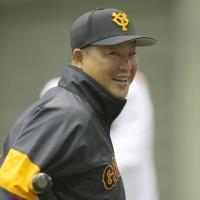 【巨人】村田修一コーチ75、宮本和知コーチ81…首脳陣の新背番号発表