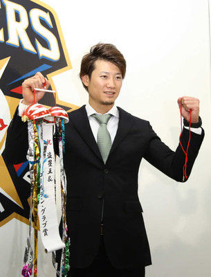 日本ハム・西川、球団が誠意を示した「2年契約」の意味