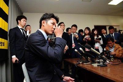 阪神・藤浪「ガッツリ、ダウンでした」4年ぶりに1億円割る3年連続減額更改