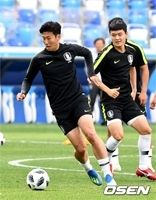"<2018W杯>韓国、""オンライン仮想対決""でメキシコに2-1勝利…ソン・フンミンが得点"