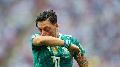 ラーム、エジル批判に反論…ドイツサッカー連盟に提起した問題とは?