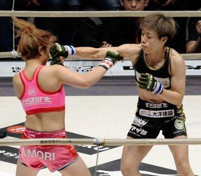 浜崎朱加が初代女王浅倉カンナに宝刀・腕ひしぎ十字固めで一本勝ち