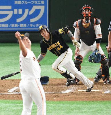 阪神、終盤一挙6点で逆転勝ち、巨人は沢村が大誤算