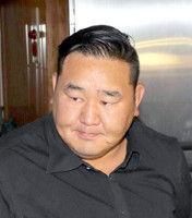 元朝青龍、日馬富士の断髪式に参加しモンゴル出身の後輩横綱をたたえる。貴乃花親方の退職には「どうなってるの」