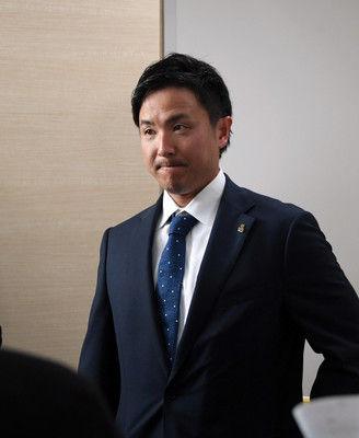 ソフトバンク江川が契約更改14年目「覚悟していた」戦力外