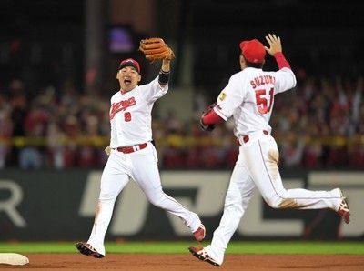 広島・丸、日本一誓う「新井さんと一日も長く野球がやりたい」