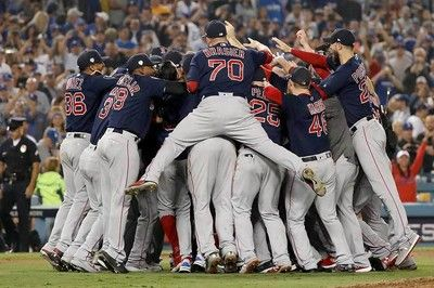 【MLB】Rソックス5年ぶり9度目世界一!プライス快投&ピアース2発4勝1敗で圧勝