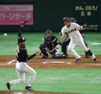 巨人、阪神に逆転勝ち!「10割打者」小林V打、上原復帰登板で0封