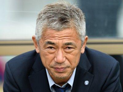 感動のあまり声が裏返るシーンも…鹿児島をJ2昇格に導いた三浦監督「みんな、おめでとう!」