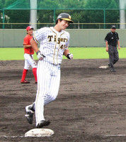 【阪神】打者転向の藤谷、実戦2打席目でサヨナラ弾「忘れられない」