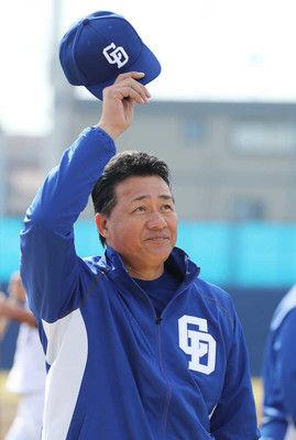 中日・与田新監督、背番号は「92」伊東勤ヘッドは「91」首脳陣の背番発表