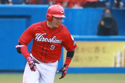 広島から巨人移籍の丸は「8」、立岡は変更…各球団発表、11日の背番号は?