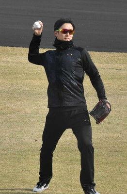 日本ハム斎藤佑来季こそ肘高くフォーム修正、チェンジアップに球速アップも