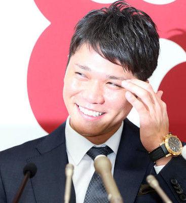 巨人坂本勇人5億円更改、丸と2人「野手引っ張る」