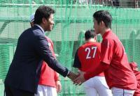【侍ジャパン】稲葉監督、広島ドラ1小園の打撃に驚嘆「素晴らしい」