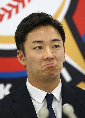 斎藤佑6年連続減俸ドラ1輝星に「負けないように」