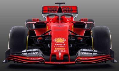 フェラーリF1、2019年型マシン『SF90』を正式発表。新体制で王座奪還を狙う