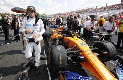 アロンソのF1活動休止を師であるブリアトーレが嘆く。「マクラーレンには優れたマシンを作る責任があった」