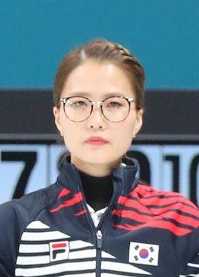 「眼鏡先輩」がパワハラ告発韓国カーリング女子チーム指導者交代訴え