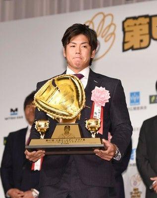 阪神・梅野、セ最下位チームから捕手としては初受賞「使ってもらった監督に感謝」