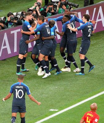 フランス、堅守で逃げ切りFWも「職人芸」の時間稼ぎ